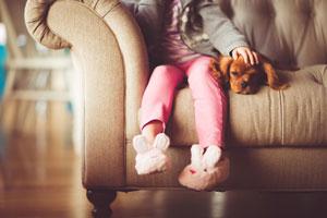 ¿Cuáles son las causas más comunes en la infancia o en la adolescencia que causan un TOC en la edad adulta?